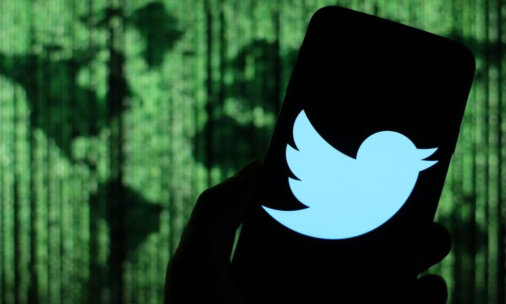 A 17-year-old in Tampa, Florida has been arrested in connection with the massive Twitter hack that hijacked dozens of high-profile accounts (TWTR)